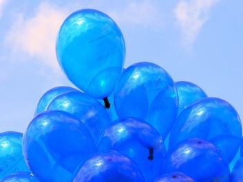 blue-balloons-1193172